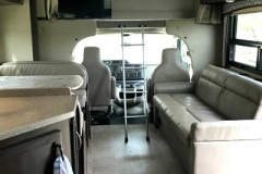 32ft-motorhome-31e-interior1