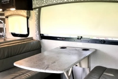 32ft-motorhome-31e-interior2